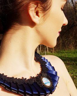 Blue Glittering Elegance Silk Necklace